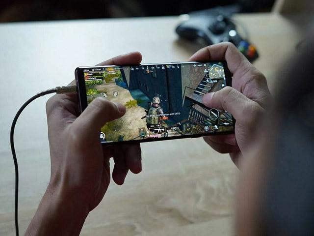 Samsung vén màn vũ khí giúp Galaxy S22 vượt iPhone 13?