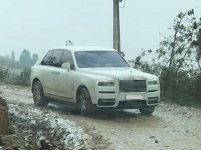 Chuyện thật không đùa, Rolls-Royce Cullinan bạc tỷ đổ dốc vùng cao Y Tý đầy bùn tuyết