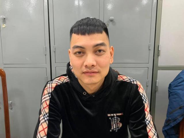 """Tin tức 24h qua: Đối tượng nổ súng vào xe của """"thánh chửi"""" Dương Minh Tuyền ra đầu thú"""