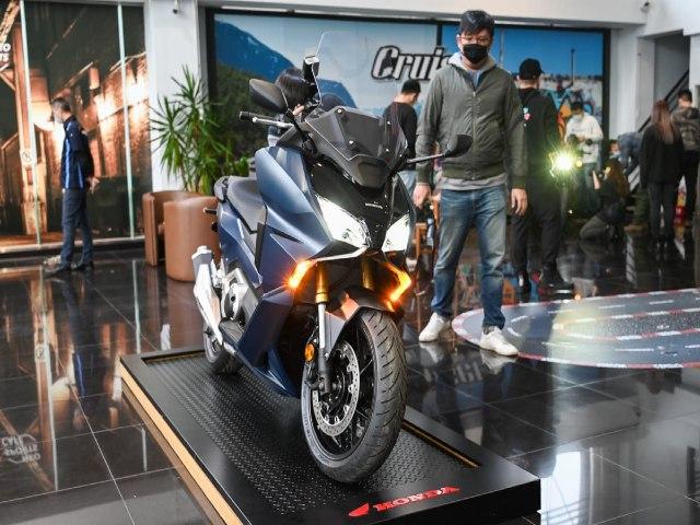 Ảnh thực tế xe tay ga hoàn toàn mới 2021 Honda Forza 750