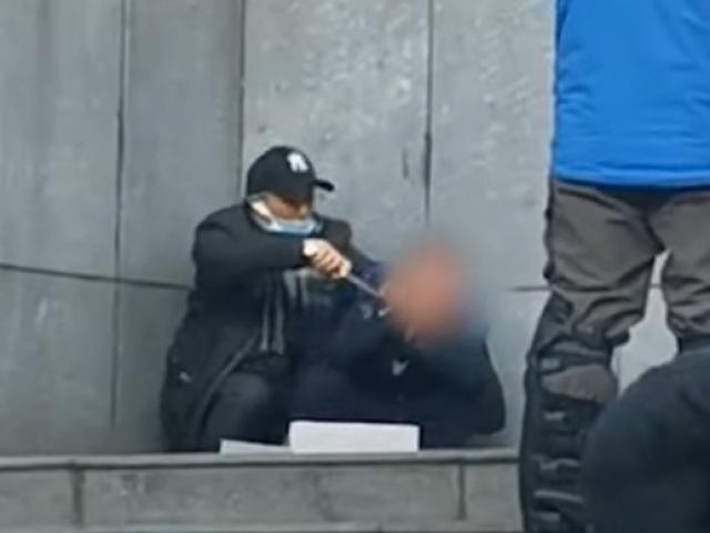 Xạ thủ bắn trúng đầu kẻ cầm dao kề cổ con tin ở Trung Quốc