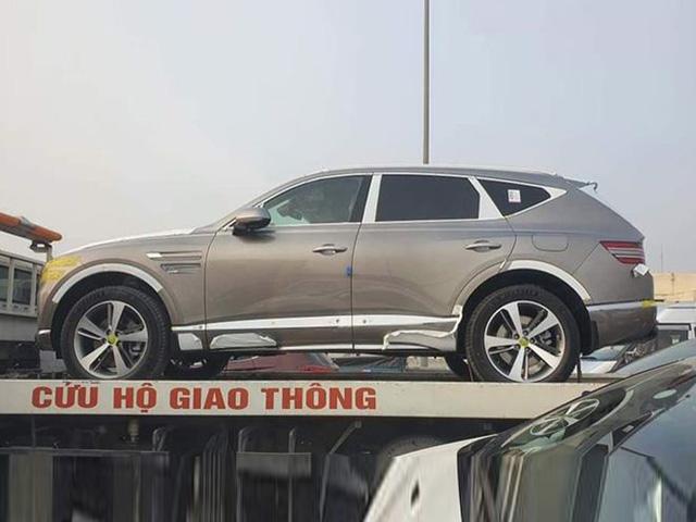 Xe sang Genesis GV80 2021 bất ngờ xuất hiện tại Việt Nam