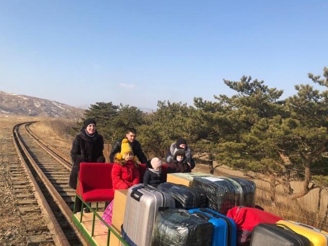 Quan chức ngoại giao Nga rời Triều Tiên về nhà theo cách chưa từng thấy