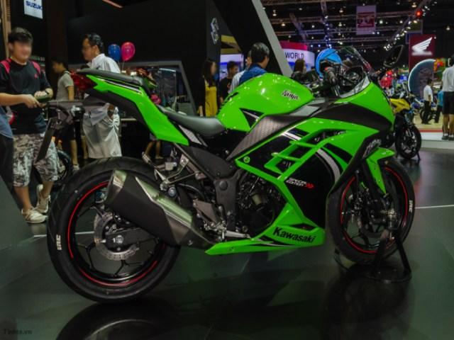 Kawasaki Ninja 300 mới ra mắt, giá mềm 101 triệu đồng.
