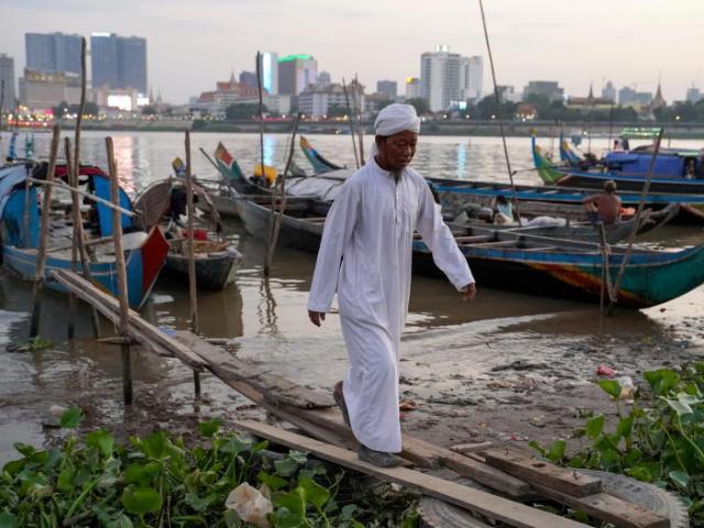 Ngư dân Campuchia khổ sở vì mực nước sông Mekong giảm mạnh