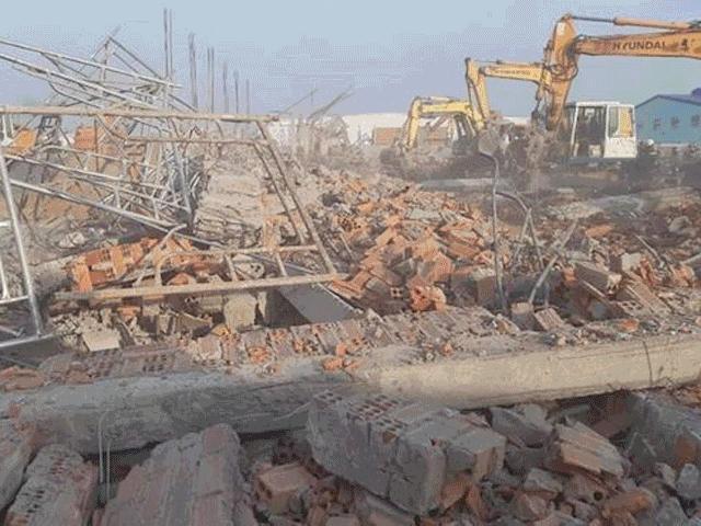 Ớn lạnh với hiện trường vụ sập công trình khiến 10 người chết ở Đồng Nai
