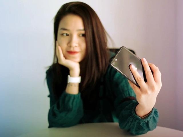 """So kè iPhone SE 2020 với đối thủ """"khó nhai"""" nhất"""