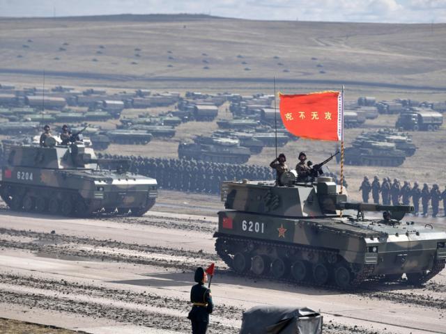 Trung Quốc và Ấn Độ điều 1 vạn quân tới khu vực tranh chấp