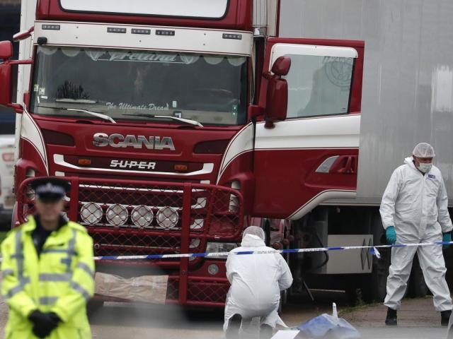 Vụ 39 người Việt tử vong trong xe container ở Anh: Bắt hàng chục người ở Pháp và Bỉ