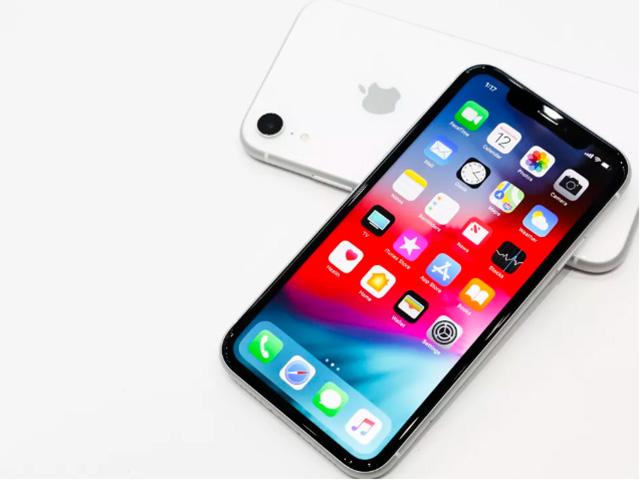 """iPhone XR giảm giá sâu, """"dọn đường"""" cho iPhone 12"""