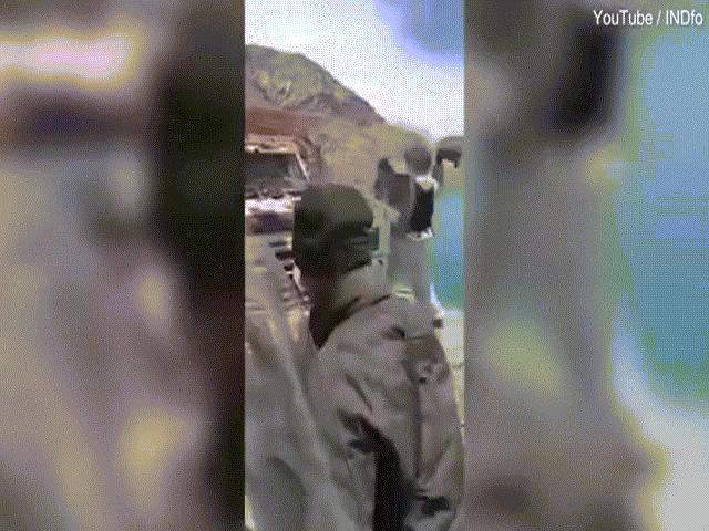 Video, hình ảnh binh sĩ Trung Quốc - Ấn Độ ẩu đả đổ máu cho thấy điều gì?