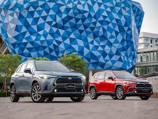 Giá xe Toyota Corolla Cross lăn bánh tháng 4/2021
