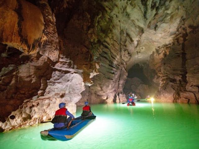 Tỉnh nào nằm ở nơi hẹp nhất Việt Nam nhưng có hang động lớn nhất thế giới?