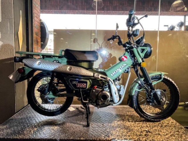 Honda CT125 màu Safari Green nhìn độc đáo
