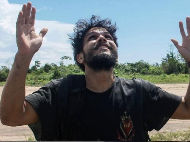 Chuyện về phi công bị rơi máy bay, sống sót suốt 38 ngày trong rừng Amazon