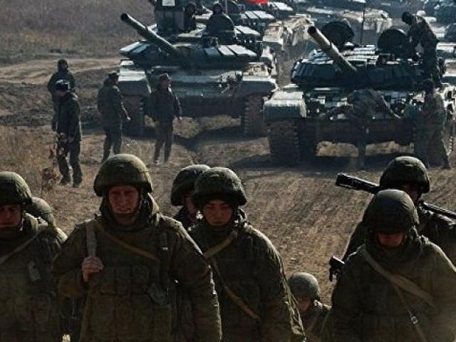 Ukraine dự đoán Nga huy động 10 vạn quân tới biên giới trong tháng 4
