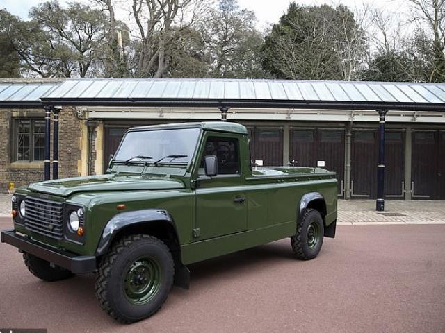 Cận cảnh chiếc Land Rover phu quân nữ hoàng Anh tự thiết kế để đưa tang chính mình