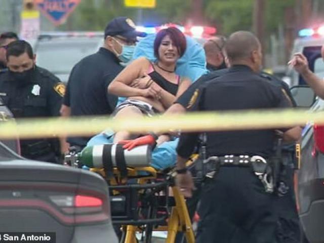 """Bị bắn trúng tay, cảnh sát Mỹ vẫn rút súng """"lấy mạng"""" 2 nghi phạm"""