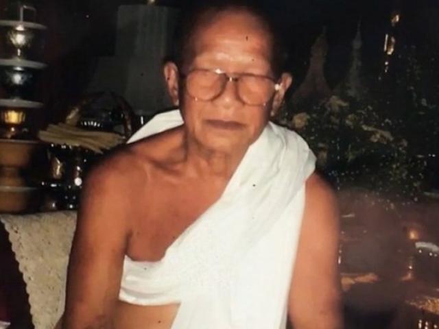 Thái Lan: Sốc vụ nhà sư tự lấy đầu mình bằng máy chém