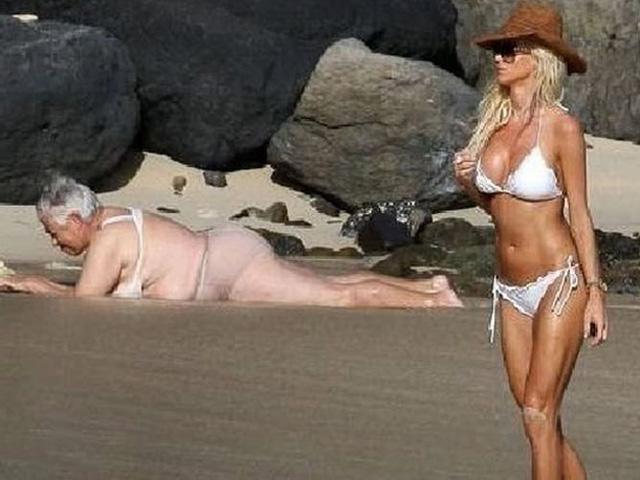 Bắt gặp những khoảnh khắc siêu hài trên bãi biển khiến bao người bật cười