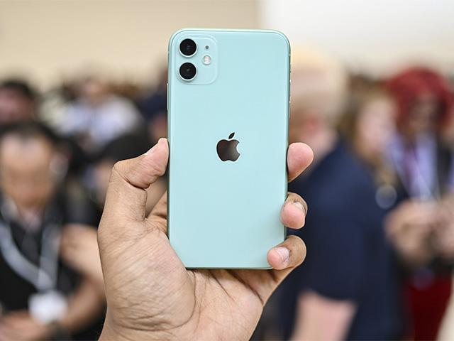 """Chiếc iPhone """"quốc dân"""" này đang giảm thấp nhất lịch sử, chỉ từ 16,59 triệu"""