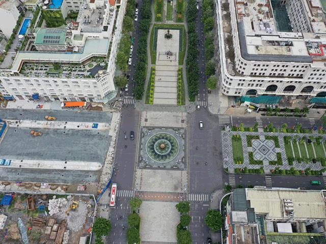 Ảnh: Trung tâm Sài Gòn trước và sau khi tháo dỡ rào chắn công trình Metro số 1