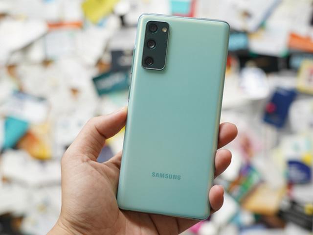 """Mẫu Galaxy S20 vừa cập bến thị trường Việt được thế giới """"khuyên mua"""""""