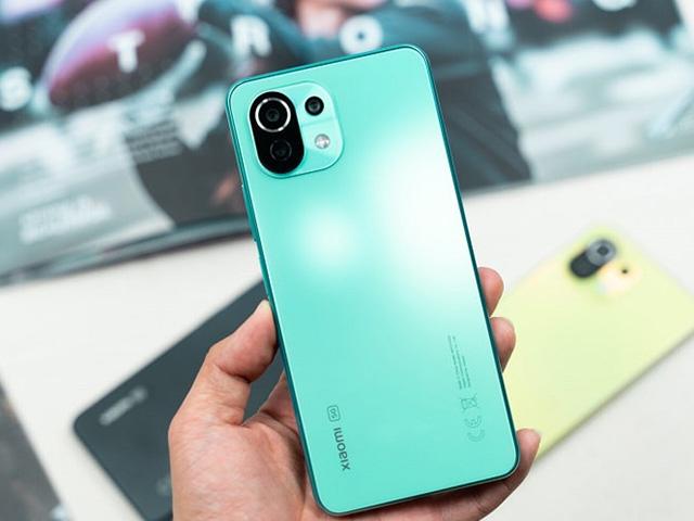 Xiaomi Mi 11 Lite 5G chính thức lên kệ tại Việt Nam với giá 10,59 triệu đồng