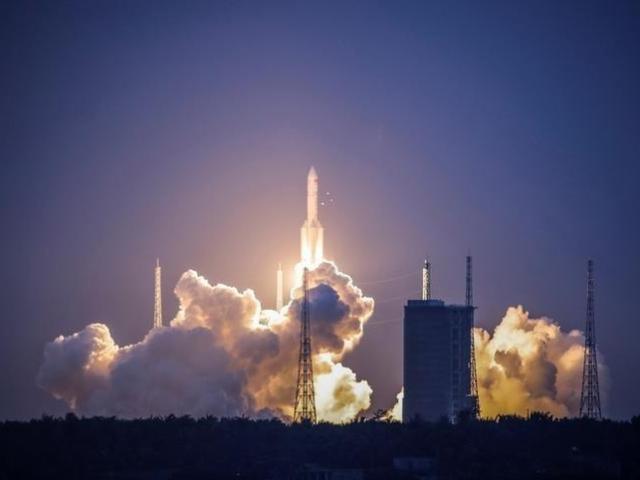 Vụ tên lửa đẩy TQ 18 tấn rơi xuống Trái đất: Quân đội Mỹ đoán điểm rơi, có nguy hiểm không?