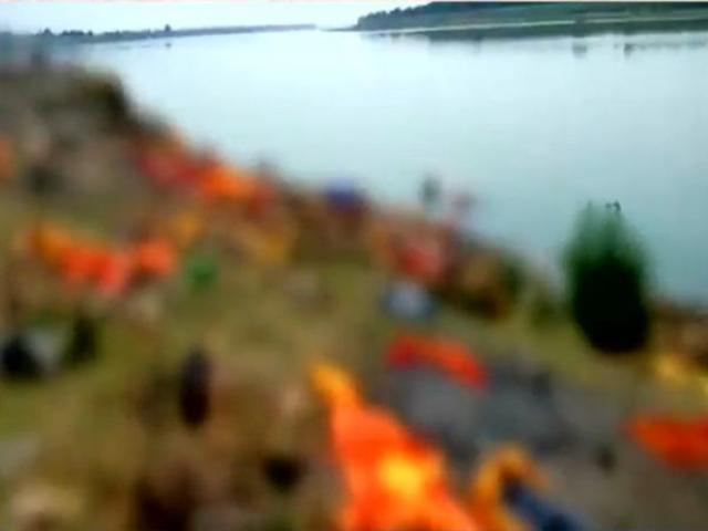 Ấn Độ phải giăng lưới dọc sông Hằng vì có nhiều thi thể trôi dạt