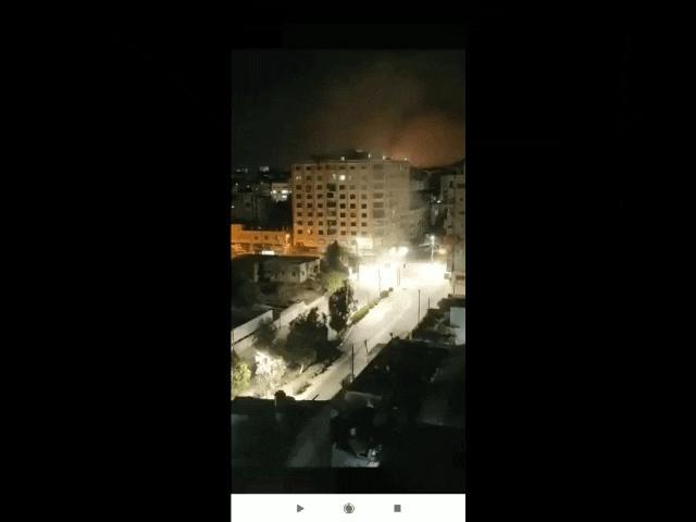 Video: Chiến đấu cơ Israel phá hủy thêm một tòa tháp, lá chắn tên lửa chặn loạt rocket