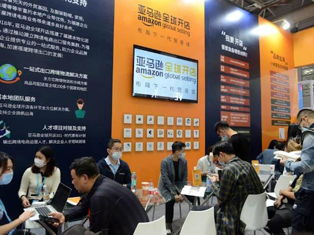 """Nhiều thương hiệu Trung Quốc biến mất trên Amazon vì """"chiêu trò chợ búa""""?"""