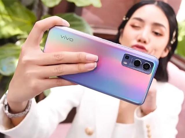 """Top smartphone mới """"lên kệ"""" tháng 5 đang gây sốt"""