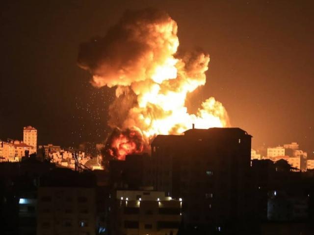 160 chiến đấu cơ Israel phóng 450 tên lửa hủy diệt hầm ngầm Hamas