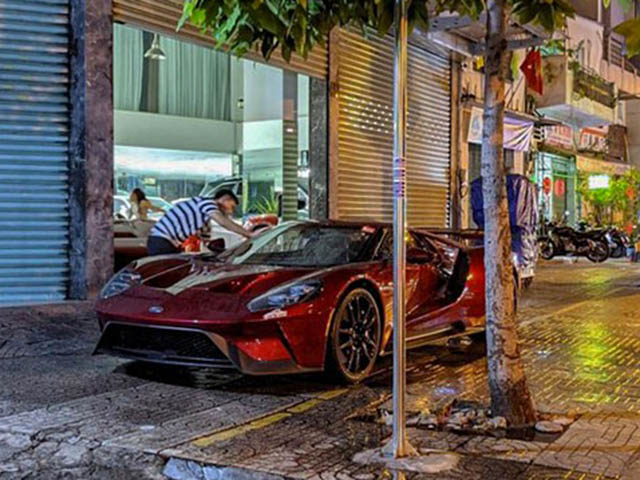 Siêu phẩm Ford GT đầu tiên có mặt tại Việt Nam