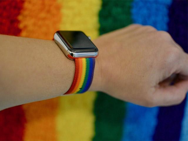 Ra mắt dây đeo và mặt đồng hồ Apple Watch cầu vồng