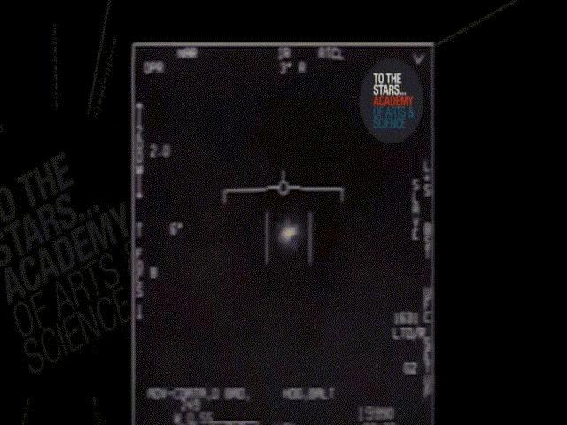 Cựu sĩ quan Mỹ: UFO bám đuôi tàu sân bay có công nghệ vượt Mỹ từ 100 đến 1.000 năm