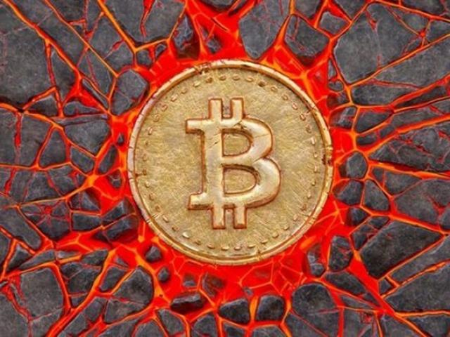 """Bitcoin lại lao dốc: Có nên xuống tiền """"bắt đáy""""?"""