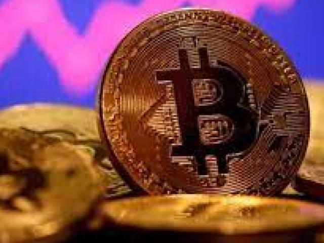 Bitcoin tiếp tục lao dốc thảm, thị trường chao đảo