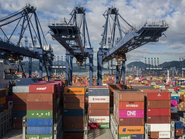 Trung tâm cảng biển xuất khẩu lớn nhất thế giới đóng cửa vì Covid-19