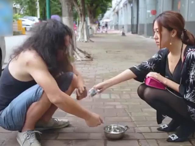 Khinh thường người yêu cũ nghèo khó, gái xinh hối hận không kịp
