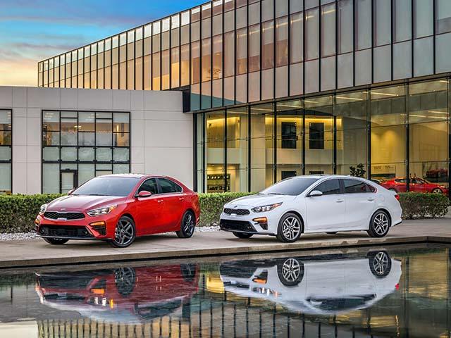 """Đại lý giảm giá """"sập sàn"""" cho Kia Cerato, rẻ ngang Toyota Vios E MT"""