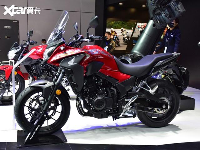 """Cận cảnh """"chiến mã"""" phượt tầm trung Honda CB400X mới cứng"""