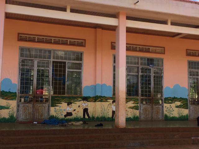 Phát hiện thi thể thiếu nữ trong phòng học