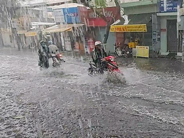 """Dự báo thời tiết Hà Nội: """"Mưa vàng"""" sắp xuất hiện chấm dứt nắng nóng kinh hoàng"""