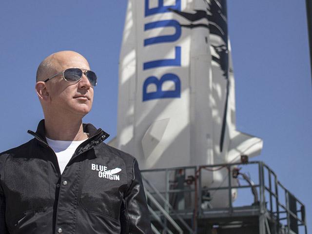 Đơn yêu cầu Jeff Bezos không trở lại Trái đất nhận được gần 100.000 chữ ký