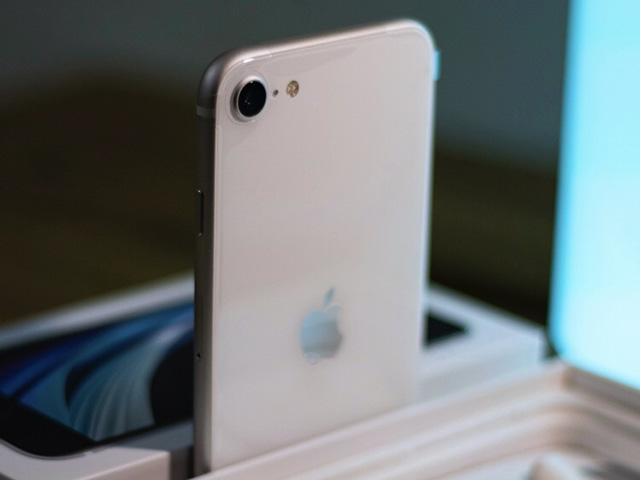 Apple sắp tung iPhone SE với khả năng 5G, mạnh như iPhone 13