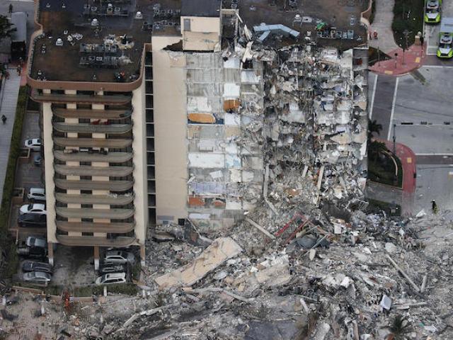 Sập chung cư 12 tầngở Mỹ: Do không khí?