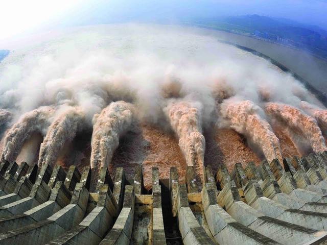 TQ: Động đất kép ở thượng nguồn, lo hiệu ứng domino gây nguy cho đập Tam Hiệp