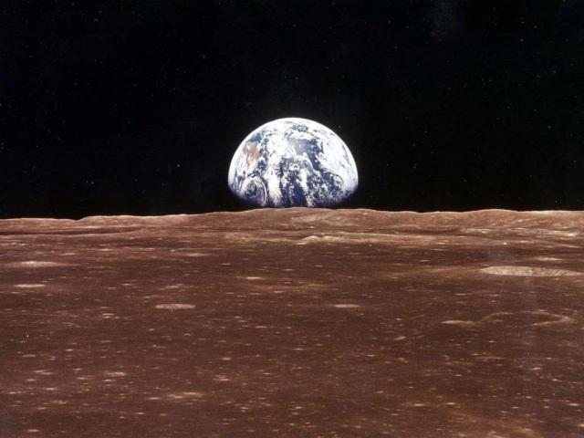 Phát hiện bất ngờ về hàm lượng kim loại trên bề mặt của Mặt Trăng